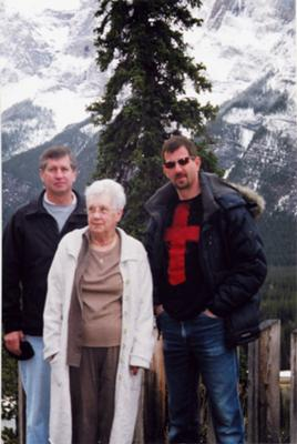 Miles Patrick Yohnke with his mother and one brother, March 2007